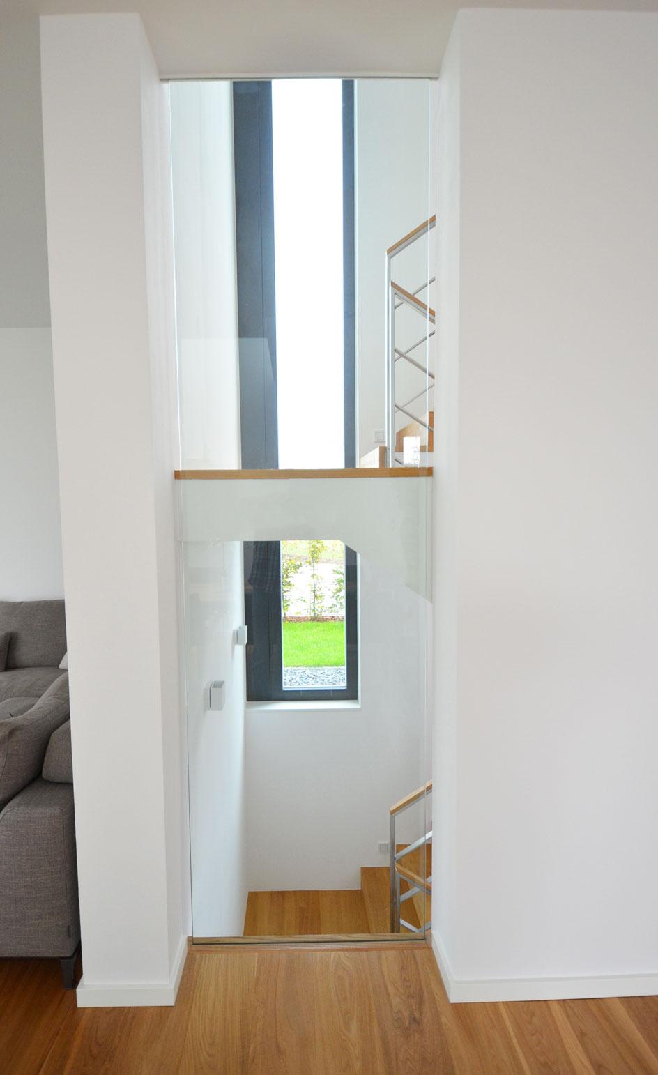 betontreppe mit holzbelag in frankfurt-reidberg