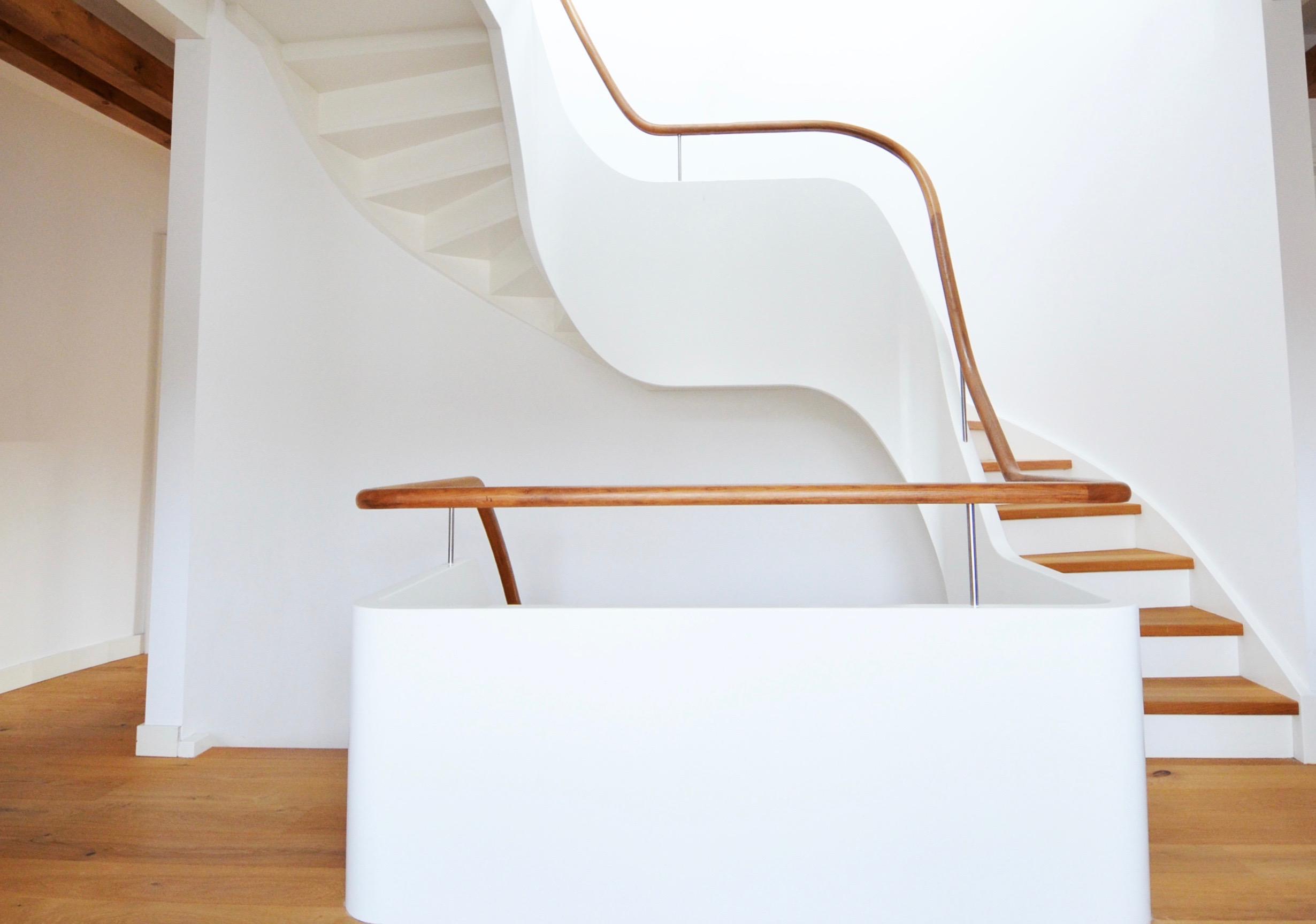 Treppenbau Diehl in Frankfurt. Wangentreppe mit bestechender Leichtigkeit-1