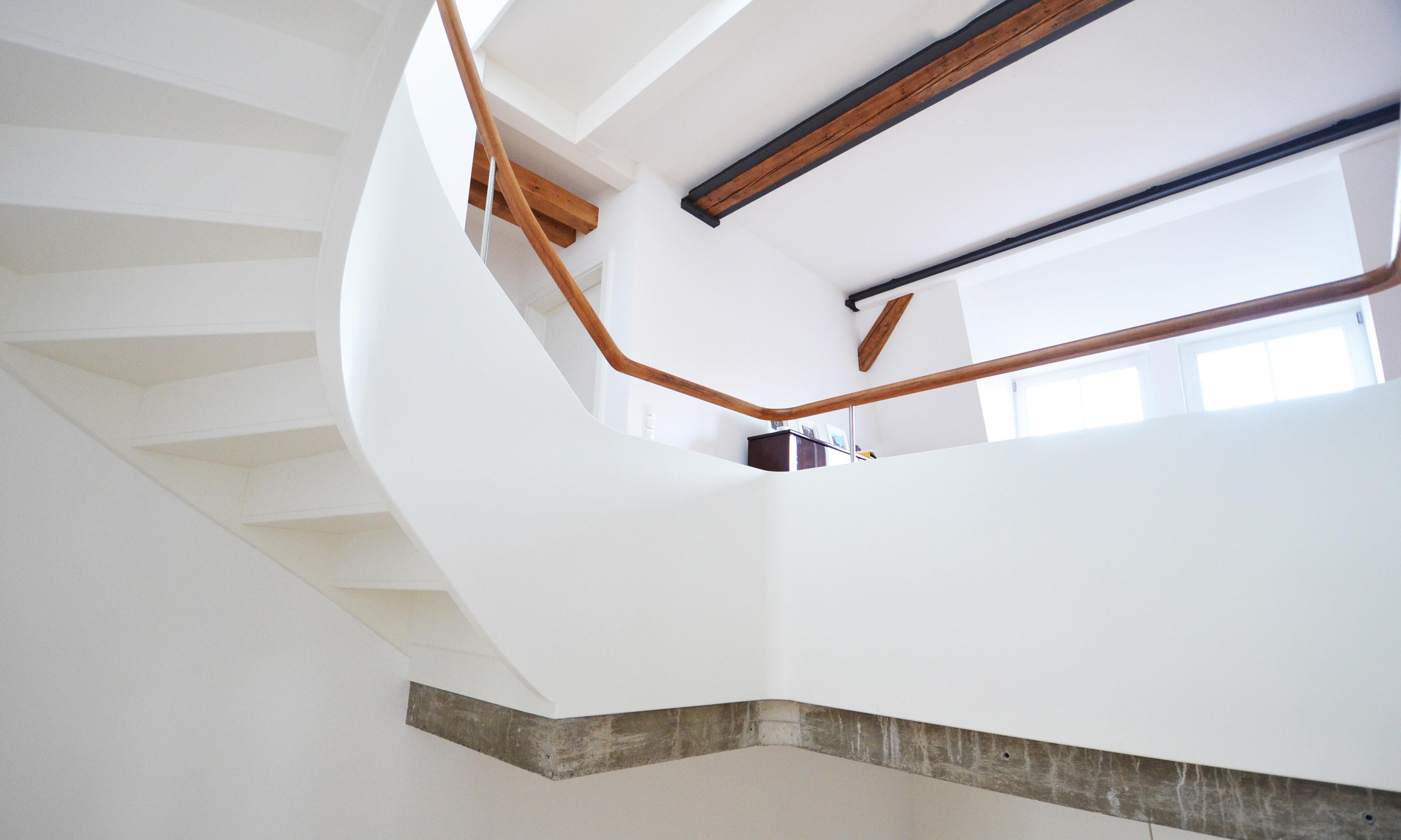 Treppenbau Diehl in Frankfurt. Wangentreppe mit bestechender Leichtigkeit-3