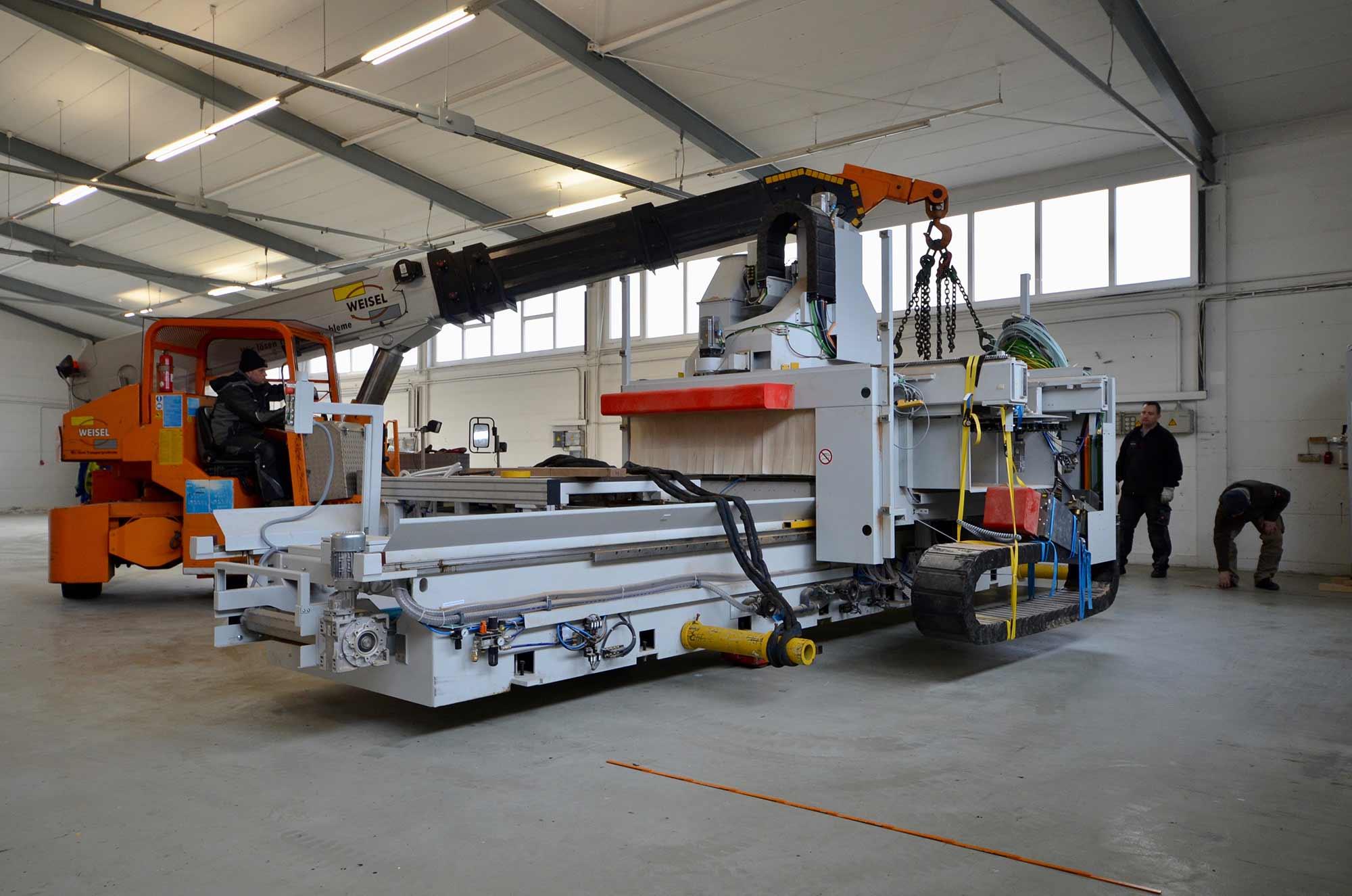 5-Achs-CNC-Maschine-Reichenbacher-Treppenbau-Diehl-Frankfurt-4