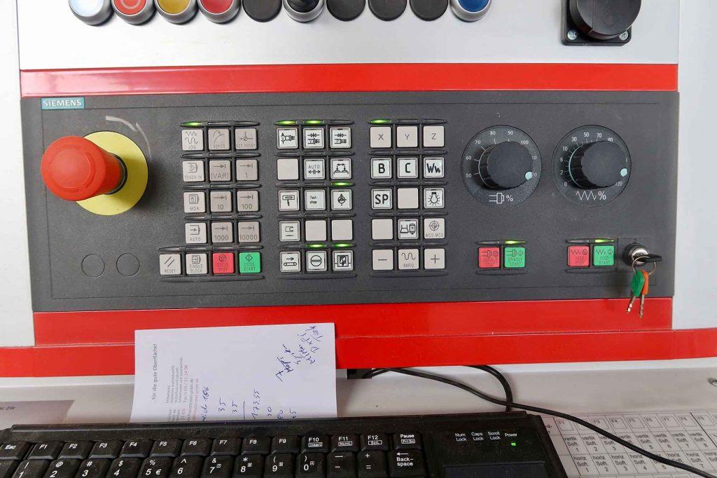 Reichenbacher-5-Achs-CNC-Maschine-Treppenbau-Diehl-Frankfurt-7