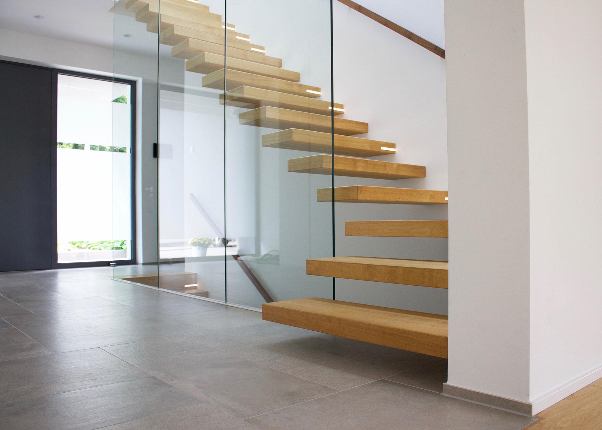 modernes einfamilienhaus in oberursel treppenbau diehl. Black Bedroom Furniture Sets. Home Design Ideas