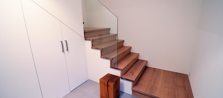 platz unter offener treppe nutzen platz unter offener treppe nutzen treppenhaus mit bildern. Black Bedroom Furniture Sets. Home Design Ideas