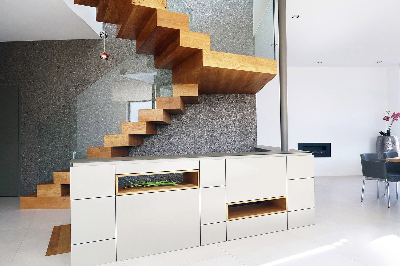 Blockstufentreppe aus Holz mit Treppenpodest in Frankfurt-Treppenbau Diehl