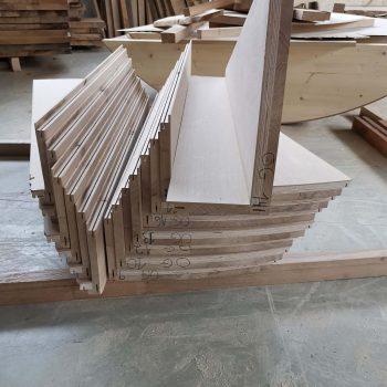 Treppenbau Fertigung einer Wendeltreppe- Eichenstufen2