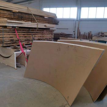 Treppenbau Fertigung einer Wendeltreppe- Wangen aus Pappelsperrholz