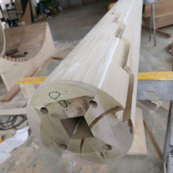 Treppenbau Fertigung einer Wendeltreppe- handwerkliche Mittelsaeule